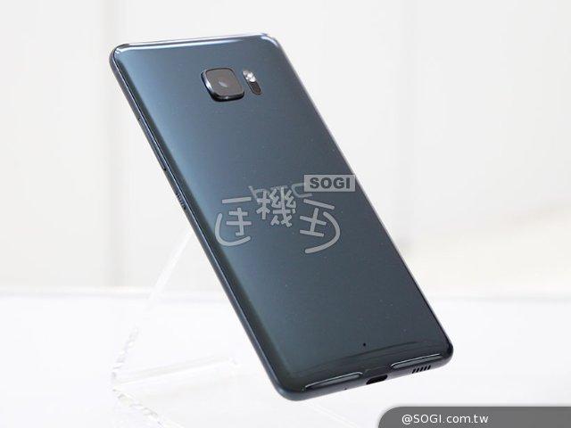 3D曲面美背手機 HTC U Ultra與U Play動手玩